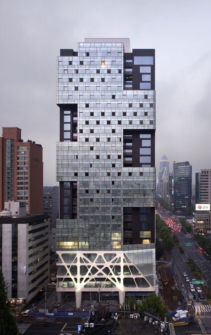 Missing Matrix Building. foto Yong Kwan-Kim
