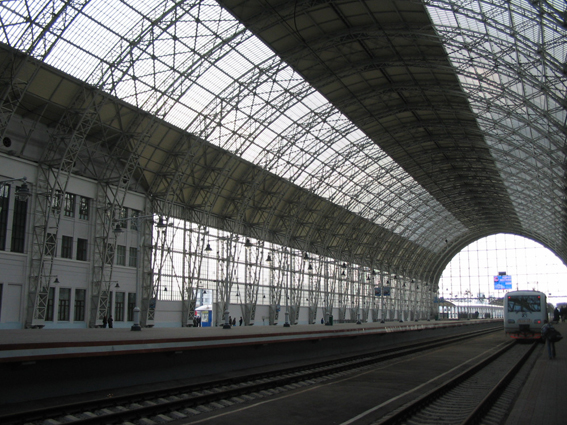 11_-moscow_kievsy_rail_station_glass_and_steel_roof